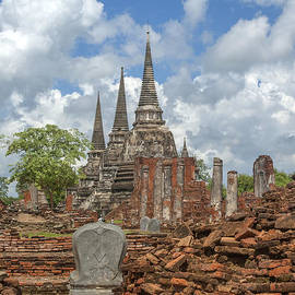 Gerry Gantt - Wat Phra Si Sanphet Chedi and Ubosot Ruins DTHA0022