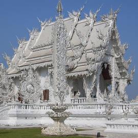 Gerry Gantt - Wat Rong Khun Ubosot DTHCR0045