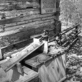 John Straton - Water Pump in Nature v2