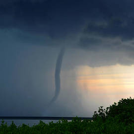 David Lee Thompson - Waterspout in Tampa Bay
