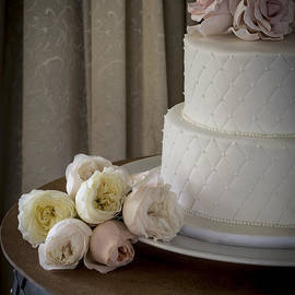 Justin Woodhouse - Wedding Cake Adorned With Roses