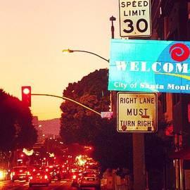 Robert Stewart - Welcome # Sunset #santamonica #night