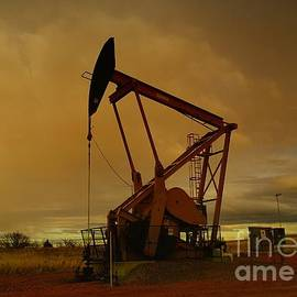 Jeff  Swan - Wellhead At Dusk