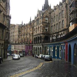 Miryam  UrZa - Victoria Street Edinburgh