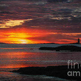 Scott Thorp - Whaleback Lighthouse