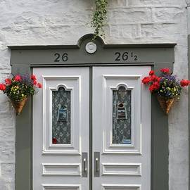 Juergen Roth - White Doors with Flowers in Quebec