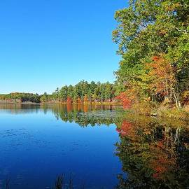 MTBobbins Photography - Whitney Pond in Autumn