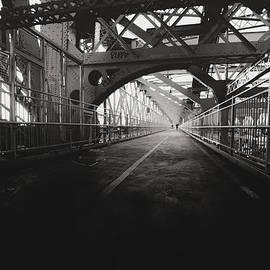 Vivienne Gucwa - Williamsburg Bridge - New York City