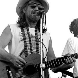 Mike Norton - Willie Nelson