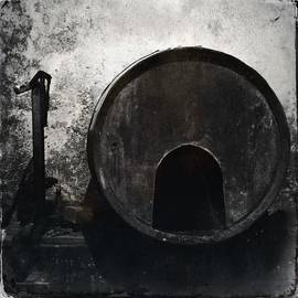 Marco Oliveira - Wine Barrel