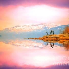 Tara Turner - Winter Morning at Okanagan Lake