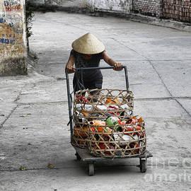 Chuck Kuhn - Woman Daily Life Vietnam