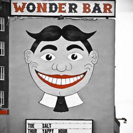 Colleen Kammerer - Wonder Bar