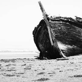 Marco Oliveira - Wreckage On The Bay