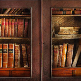 Mike Savad - Writer - Books - The book cabinet
