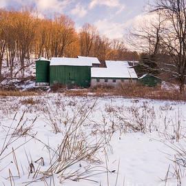 JG Coleman - Yankee Farmlands No 20 - New England Barn in Winter