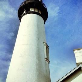 Susan Garren - Yaquina Lighthouse Blues