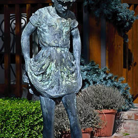Norman Gabitzsch - Young Girl in Bronze