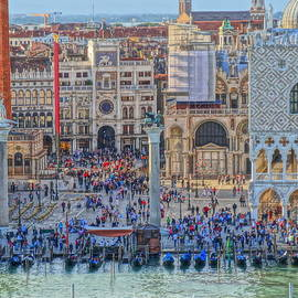 M Bleichner - Zoom on St Marks Square Venice Italy
