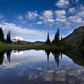 Mike Reid - Tipsoo Dawn Calm Reflection
