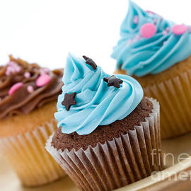 Ruth Black - Cupcakes