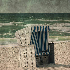 Joana Kruse - beach chair