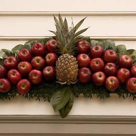 Sally Weigand - Apple Decoration