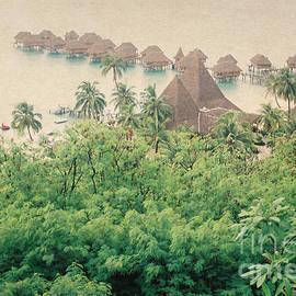 Trude Janssen - Beach Huts in Moorea