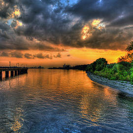 Nicholas  Grunas - Sunset at Belle Isle Pier Detroit MI