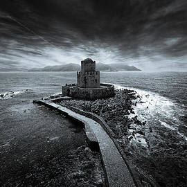 Stavros Argyropoulos - Beyond the sea there is a small prison