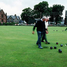 Jan W Faul - Bowls on the Green