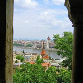 Ann Horn - Budapest