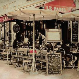 Claudia Moeckel - Cafe De Paris