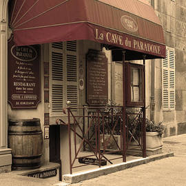 Greg Matchick - Cave du Paradoxe Wine Shop in Beaune France