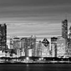 Twenty Two North Photography - Chciago Skyline in Black and White