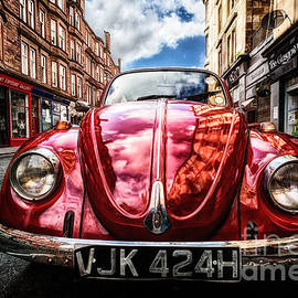 John Farnan - Classic VW on a Glasgow Street