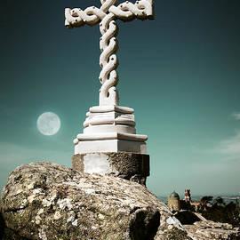 Carlos Caetano - Cross in moonlight