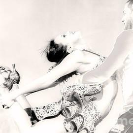 Jayne Logan Intveld - Dance