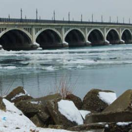 Michael Peychich - Detroit Belle Isle Bridge