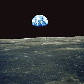 Nasa - Earthrise Photographed From Apollo 11 Spacecraft