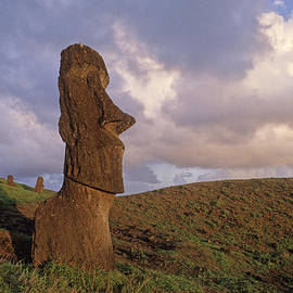 Cliff Wassmann - Easter Island Statues at sunset