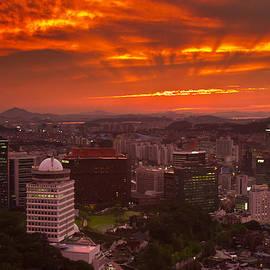 Gabor Pozsgai - Fiery Seoul sunset