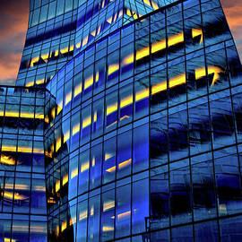 Chris Lord - Frank Gehrys IAC Building
