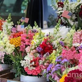 Yumi Johnson - Garden flower stand