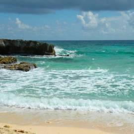 Rosalie Scanlon - Green Caribbian Sea