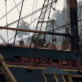 Lois Lepisto - HMS Bounty 1