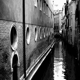 John Aguillon - Idel Canal