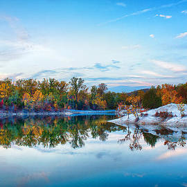 Bill Tiepelman - Klondike Park Autumn Lake