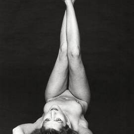 Silva Wischeropp - Laying Female Nude