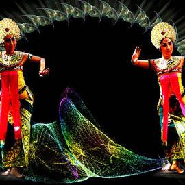 Yvon van der Wijk - Legong dancing girls - Balinese dances